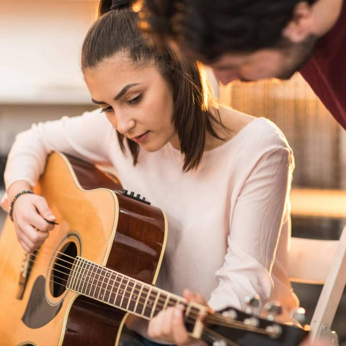 guitar-lessons-for-adults-near-me-min